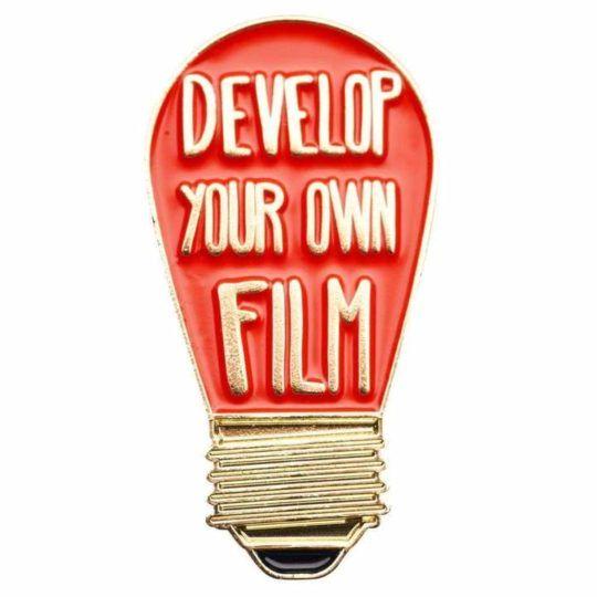 Przypinka DEVELOP YOUR OWN FILM