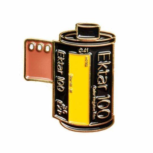 Przypinka FILM CANISTER #8 PIN